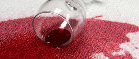Cómo quitar manchas de vino. Trucos de Mobiprix