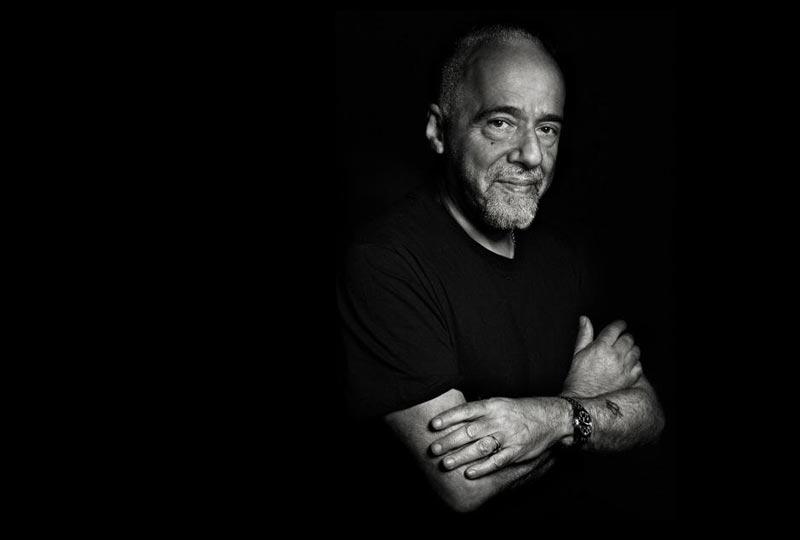 Foto de Paulo Coelho para una frase célebre del autor