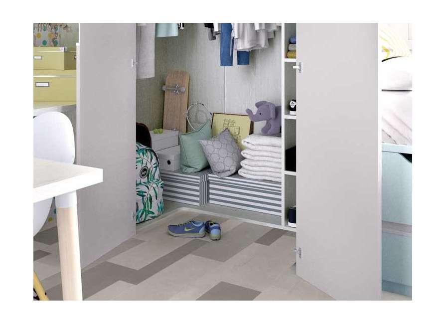 Habitació juvenil amb armari vestidor