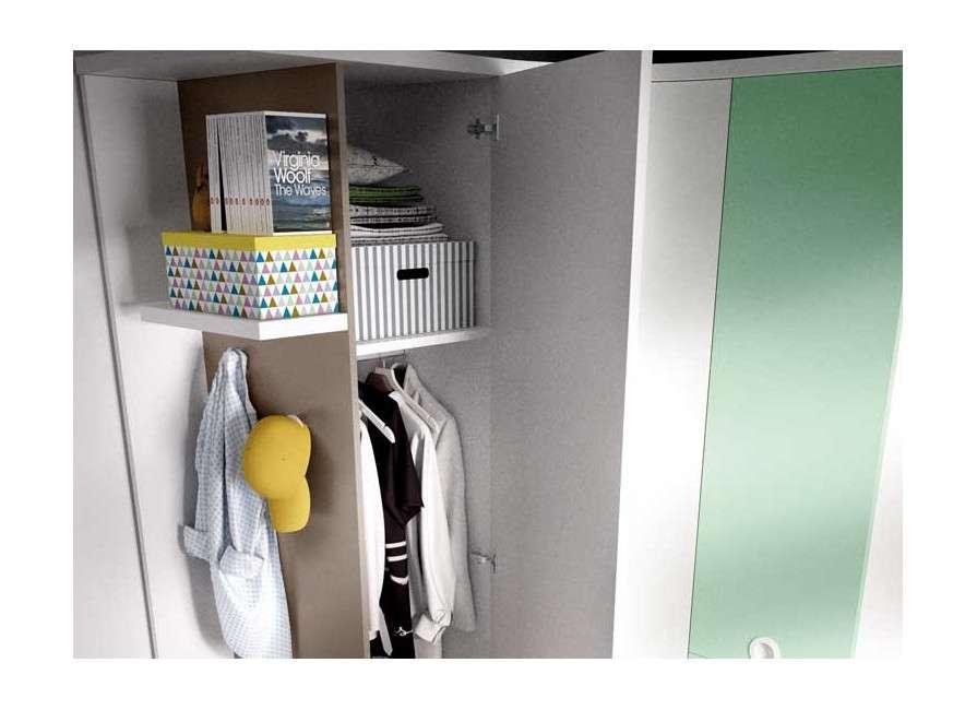 Conjunt per a habitació juvenil amb armari raconer i escriptori