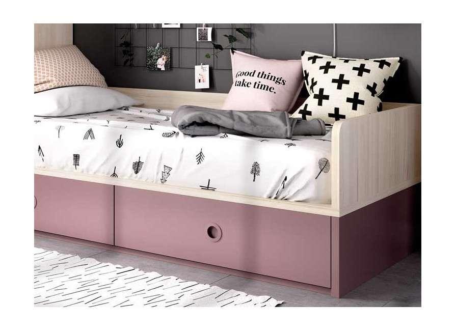 Habitació juvenil amb llit niu i ganr armari raconer