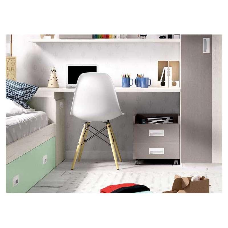 Habitació amb llit niu i armari raconer