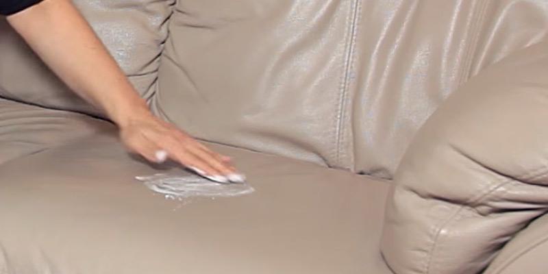 como limpiar un sofa de piel con amoniaco
